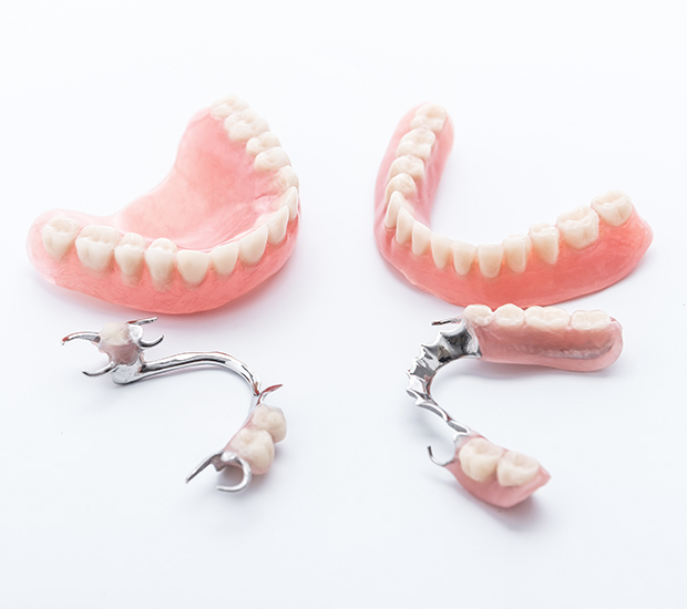 St. Louis Dentures and Partial Dentures